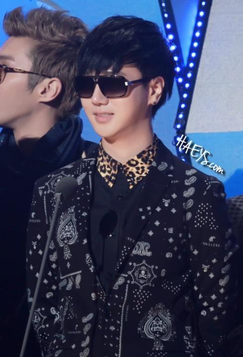 130131 Seoul Music Award - HAEYS- shadow2